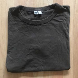 "Uniqlo ""Uniqlo U"" Vintage-Style T-Shirt"